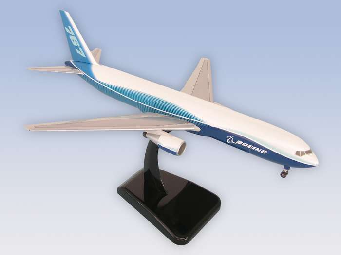 "Boeing 767-300F (1:200) W/GEAR New Livery ""Dreamliner"""