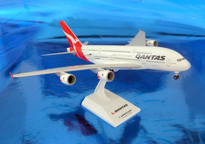 Qantas A380-800 (1:200) New Colors, SkyMarks Airliners Models Item Number SKR365