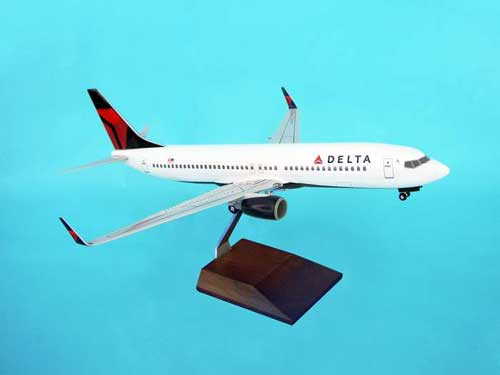 Delta 737-800 (1:100) W/Gear & Wood Stand Nc, Skymarks Supreme Desktop Aircraft Models Item Number SKR8206