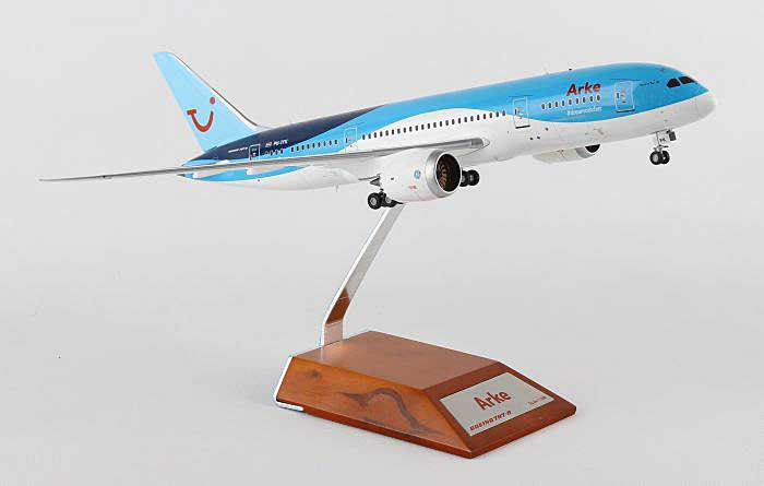 Arke Fly B787-8 PH-TFK with Stand (1:200), JC Wings Diecast Airliners, Item Number JC2TFL868