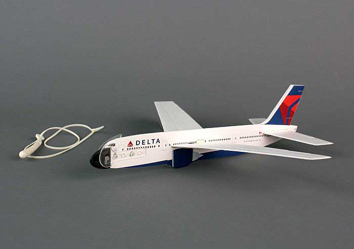 Delta Aircraft Glider With Launcher by Daron Toys Item Number LY200