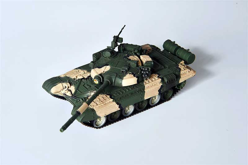 T-72B Main Battle Tank, Soviet Army, Moscow (1:72), ModelCollect Item Number AS72030