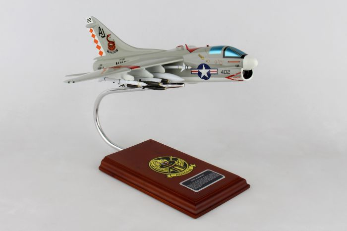 A-7B Corsair II US Navy (1/48), Executive Series by Daron, Item Number B40048