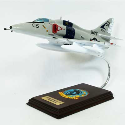A-4F Skyhawk USN (1:48), Executive Series Display Models Item Number CA04NTE