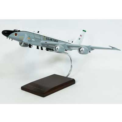RC-135V/W Rivet Joint New Engines (1:100), Executive Series Display Models Item Number CK135VT