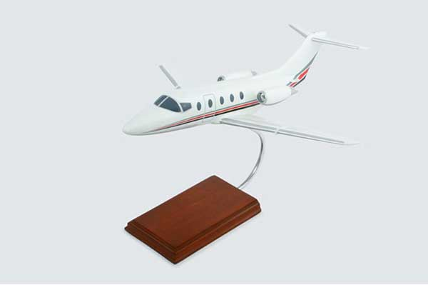 Hawker 400XP Marquis Jet (1:32), Executive Series Display Models Item Number KH400MJ