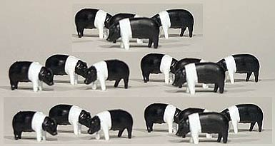 Pigs/Hogs - Hampshire Black and White (1:64), ERTL Item Number ERTL12663-25