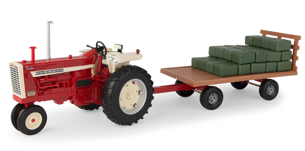 Farmall 1206 Narrow Front Tractor with Hay Wagon and Bales (1:16), ERTL, Item Number ERTL46722