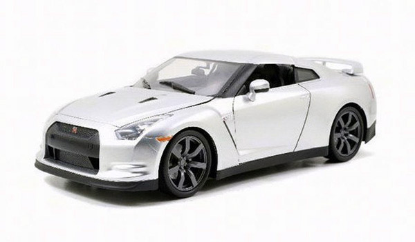 Brian's Nissan GT-R R35 between 1:32 and 1:43, Jada Item Number JDA97383