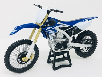 2017 YAMAHA YZ450F Dirt Bike (1:12), New Ray Item Number NR57983