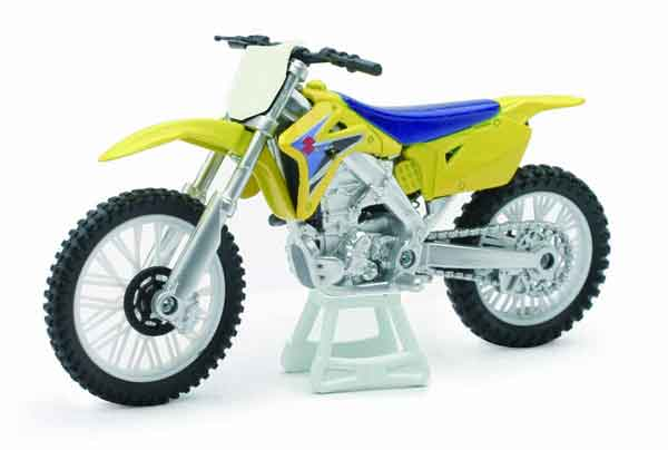 Suzuki RM-Z450 in Yellow (1:18), New Ray Item Number NRAS-67013-B