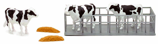 3 Dairy Cows with Pens and Feed Piles ( 1:18), NewRay Item Number NRSS-05013B