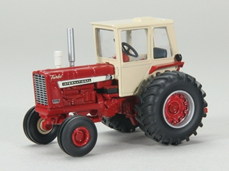 Farmall 1256 Tractor with Cab - 2018 Farm Progress Show 1:64 by SPEC-CAST Item Number: CUST-1692