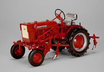 Farmall Cub Tractor with Cultivator (1:16), SPEC-CAST, Item Number ZJD-1816