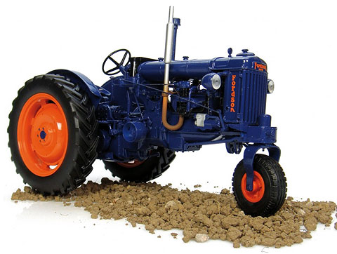 Ford E27N Tricycle Row Crop Tractor (1:16), Universal Hobbies Item Number UHB2886