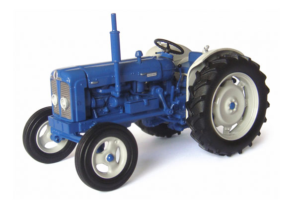 Fordson Super Major Tractor New Performance 1963 (1:32), Universal Hobbies Item Number UHB4880