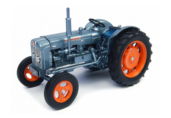 Ford Super Major Tractor (1:32), Universal Hobbies Item Number UHB4882