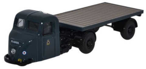Scammell Scarab with Flatbed Trailer, Royal Air Force, 1950s-1960s (1:76 OO Scale) by Oxford Diecast Military Vehicles