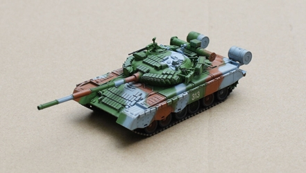 T-80BV Main Battle Tank Soviet Army, East Germany, 1989 (1:72), ModelCollect Item Number AS72039