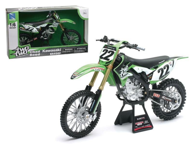 "Kawasaki KX 450F ""Two Two Motorsports"" Chad Reed #22 Dirt Bike Motorcycle 1/6 Diecast Model by New Ray , New Ray Item Number 49493"